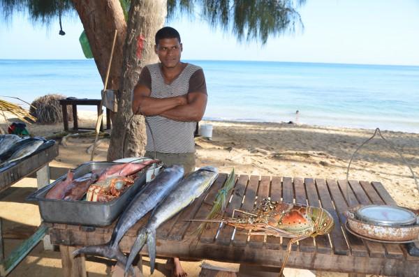 Fischverkäufer auf dem Fischmarkt Las Terrenas